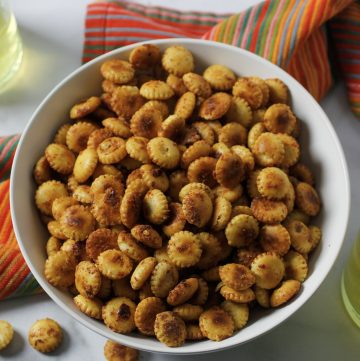 fiesta ranch crackers in bowl